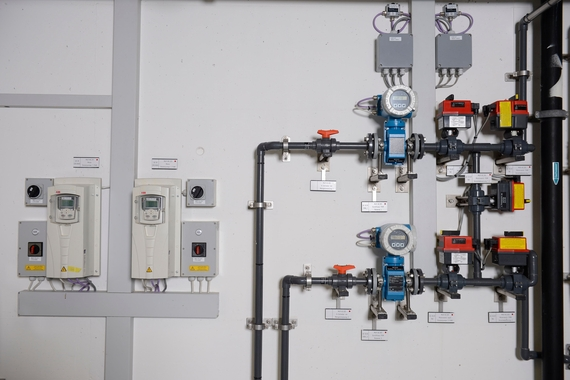 Polymer dosage station for sludge conditioning in a wastewater treatment plant